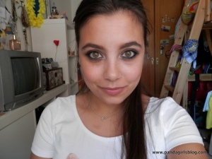 smokey eye liner look