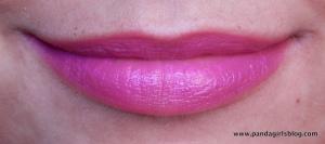 Avon ultra colour bold hi def plum