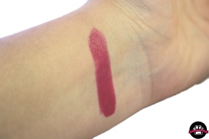 cute berry - barra de labios efecto volumen 3d avon
